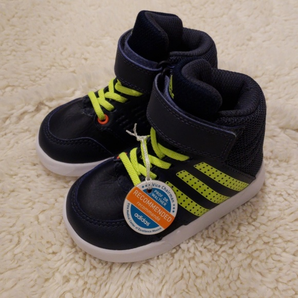 b54f4fc32 NWT - Toddler Adidias High Top Sneakers - Size 5. NWT. adidas